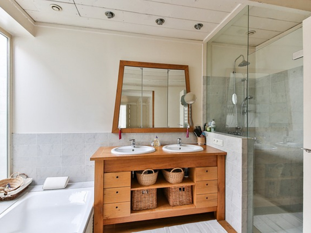 Trust experienced contractors to install your glass shower doors