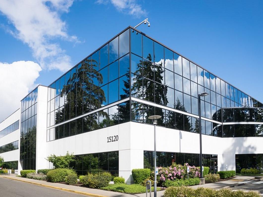 Commercial Glass And Doors Wells Me Broken Glass Company